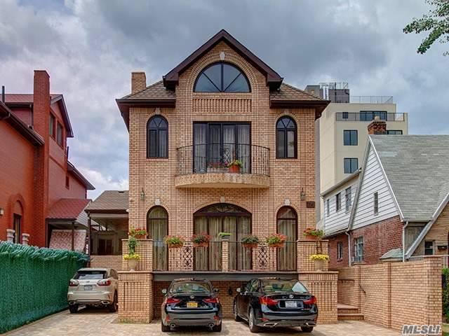 74 Amherst St, Brooklyn, NY 11235