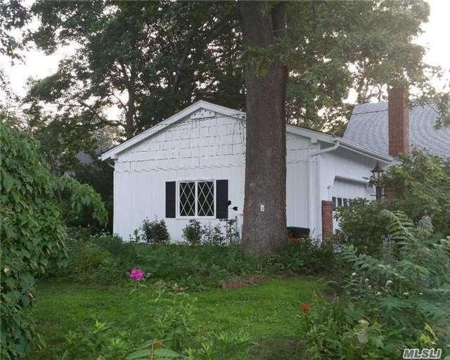 3 Harborview Road, Stony Brook, NY 11790