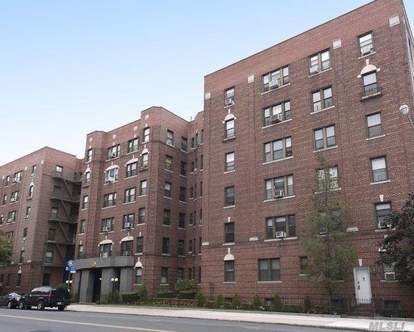 26-01 Glenwood Rd #1R, Brooklyn, NY 11210