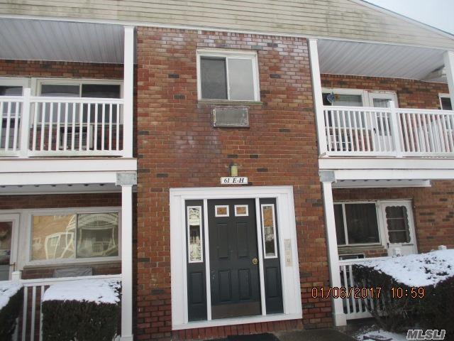 61 Adams Rd #2E, Central Islip, NY 11722