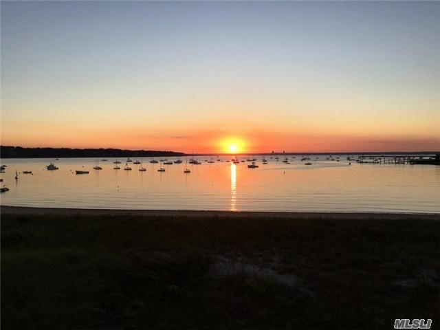 6 Sea Isle Lndg, Glen Cove, NY 11542