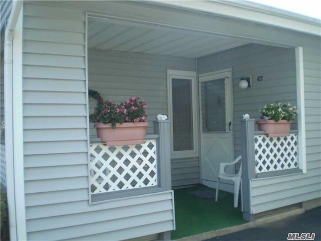 422 Elton East Ct, Saint James, NY 11780