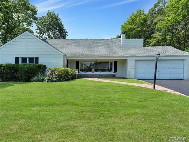 30 Gristmill Ln, Great Neck, NY 11023