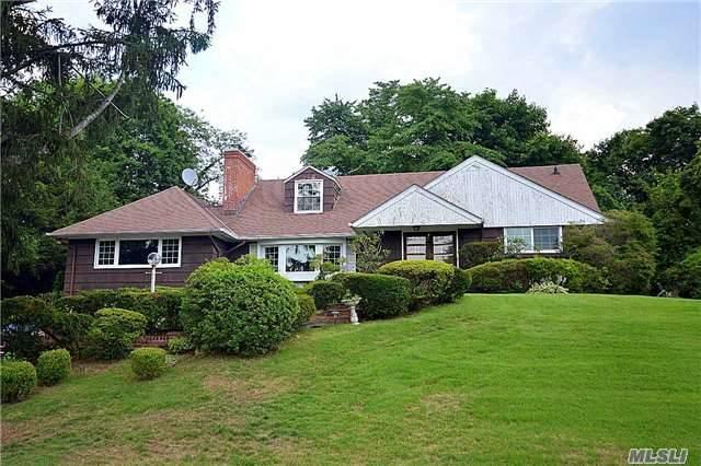 5 Talbot Dr, Great Neck, NY 11020