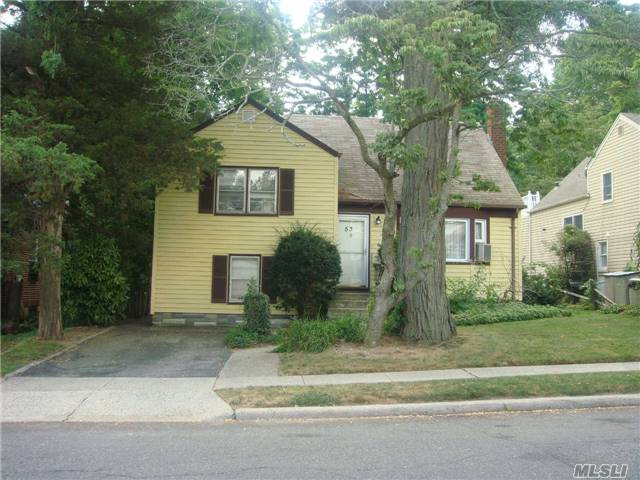 53 Burnham Avenue, Roslyn Heights, NY 11577