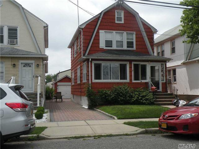 655 Gabriel Ave, Franklin Square, NY 11010