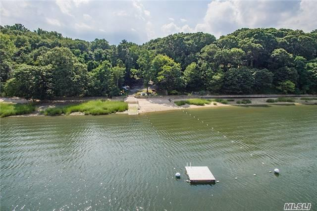 16 Tennis Court Road, Oyster Bay, NY 11771