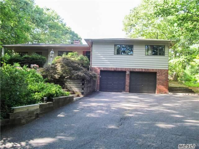 93 Washington Blvd, Commack, NY 11725