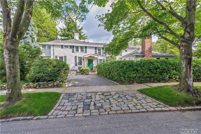221 Arleigh Rd, Douglaston, NY 11363