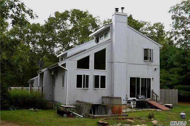 123 Elizabeth Way, Ridge, NY 11961
