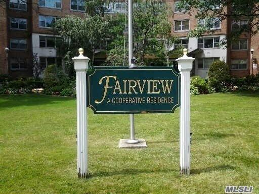 61-20 Grand Central Pkwy #C1403, Forest Hills, NY 11375