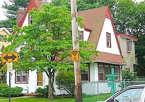 52 Devon Rd, Hempstead, NY 11550
