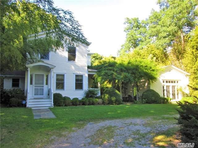 821 S Country Rd, E. Patchogue, NY 11772