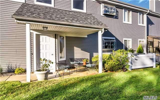 214 River Dr, Moriches, NY 11955