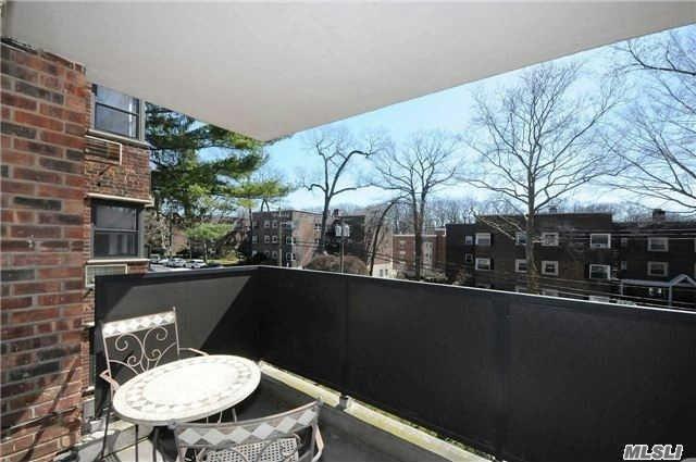 35 Knightsbridge Rd #2-I, Great Neck, NY 11021