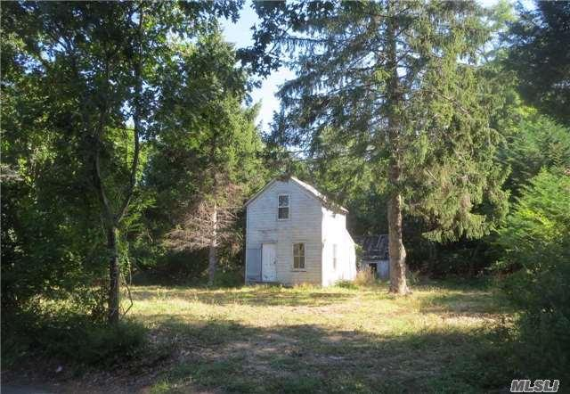 845 Old Orchard Ln, East Marion, NY 11939