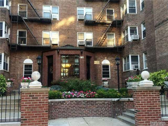 99-45 67th Rd, Forest Hills, NY 11375