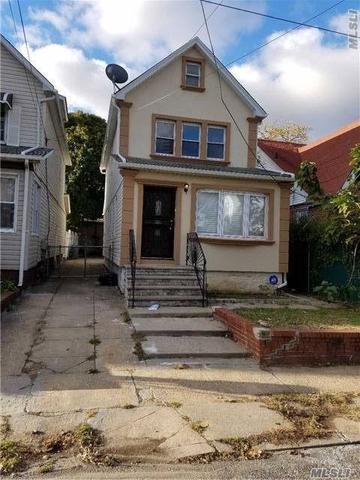 218-10 118 Ave, Cambria Heights, NY 11411