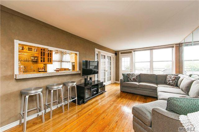 6615 Thornton Pl #6C, Forest Hills, NY 11375