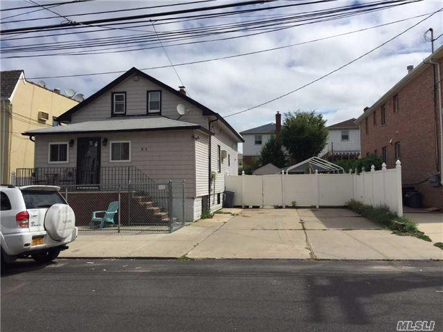 11-27 128th St, College Point, NY 11356
