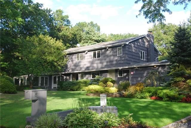 10 Overhill Dr, Smithtown, NY 11787