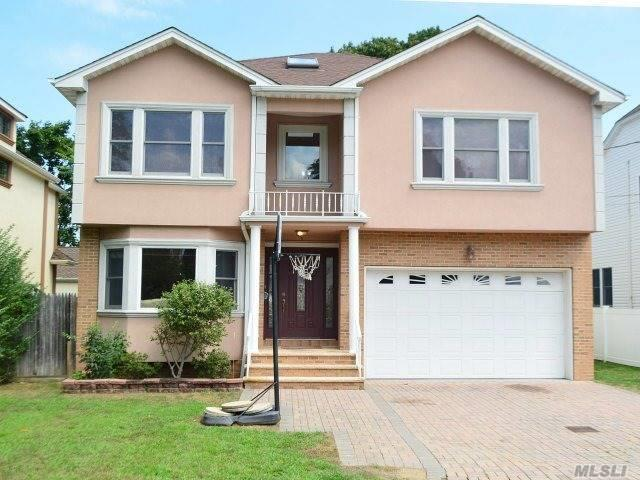 10 Garfield Pl, Roslyn Heights, NY 11577