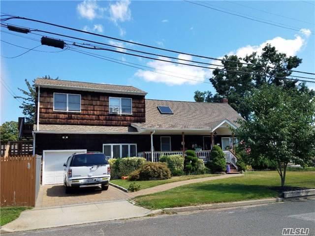 1319 Dewey Ave, North Bellmore, NY 11710