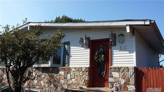 51 E Cherry St, Central Islip, NY 11722