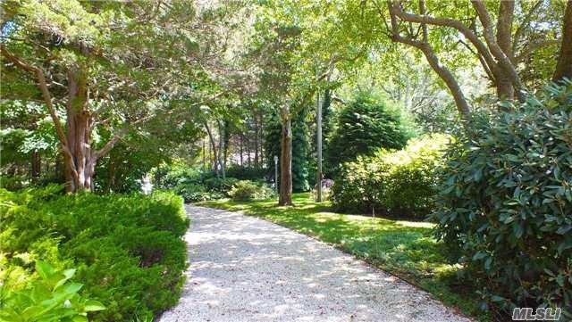 400 Windjammer Dr, Southold, NY 11971