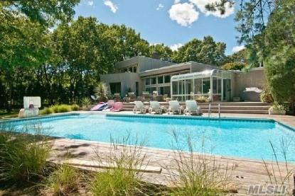 33 Fox Hollow Dr, East Quogue, NY 11942