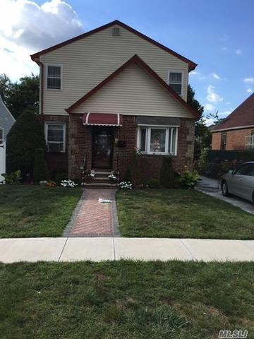 130-18 217th St, Laurelton, NY 11413
