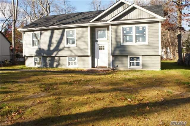 50 Hewitt Blvd ## a, Center Moriches, NY 11934