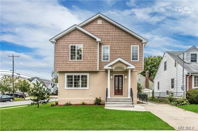 199 Royal Ave, Mineola, NY 11501