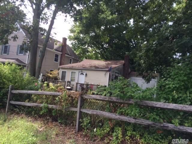 62 Robin Rd, Rocky Point, NY 11778
