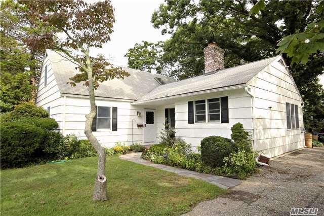148 S Bay Ave, Brightwaters, NY 11718