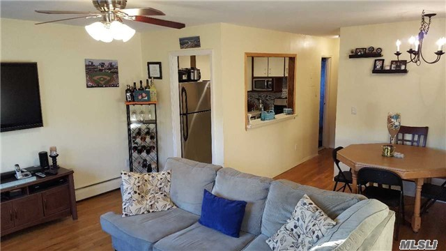 4722 Wilshire Lane, Oakdale, NY 11769