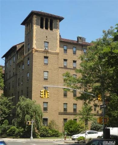 33-15 80 St #22, Jackson Heights, NY 11372