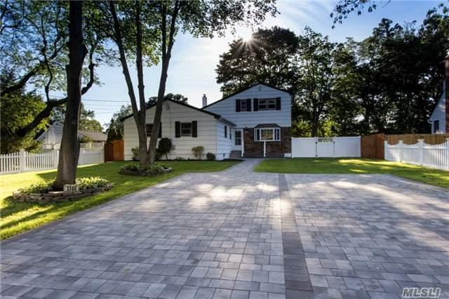 1366 N Windsor Ave, Bay Shore, NY 11706