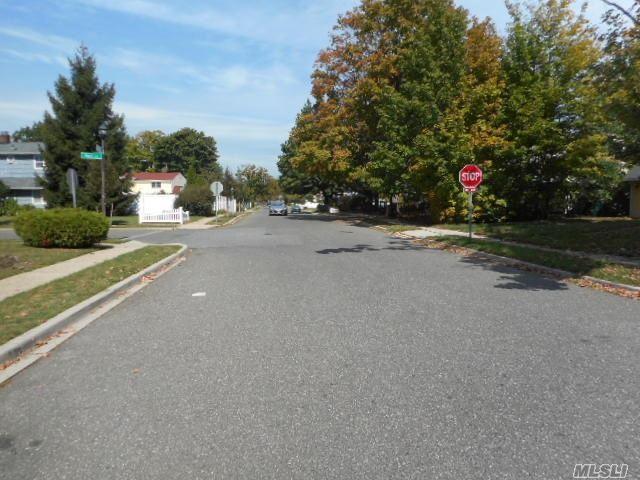 114 Blacksmith Road, Levittown, NY 11756