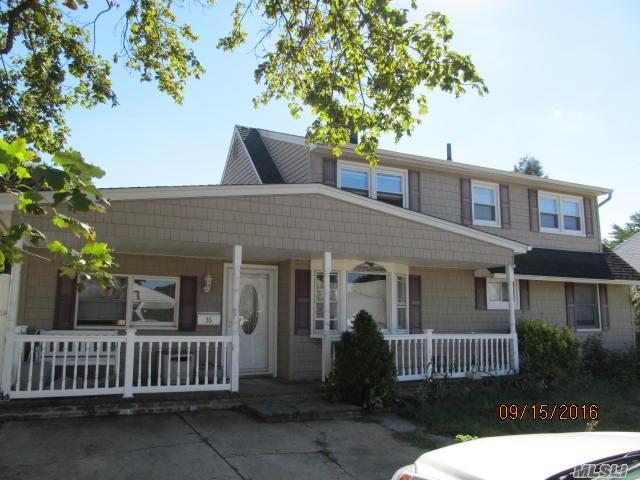36 Robin Ln, Levittown, NY 11756