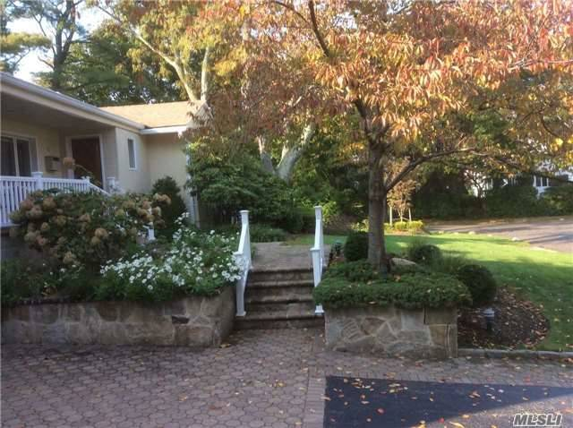 2 Teakwood Lane, Roslyn, NY 11576