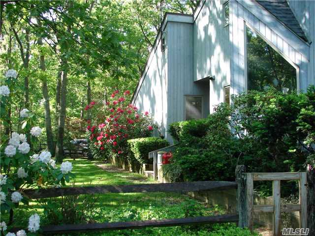 279 Old Country Road, Eastport, NY 11941
