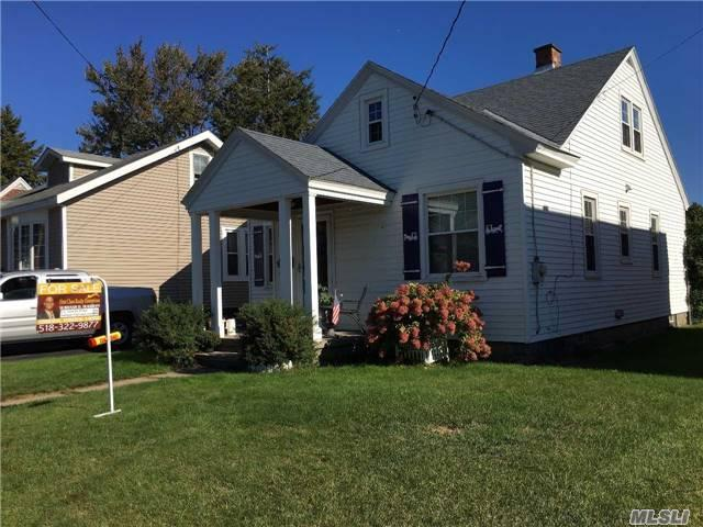 818 Ten Eyck Ave, Out Of Area Town, NY 12303