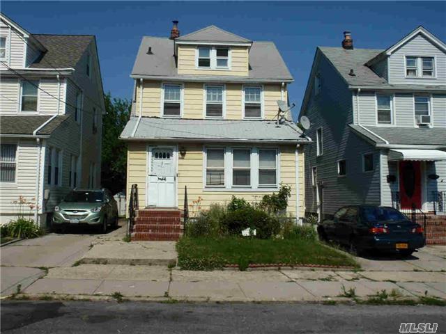 114-69 196 St, St. Albans, NY 11412