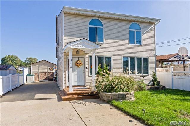 3719 Terrapin Pl, Seaford, NY 11783