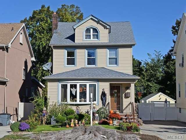145-49 13 Ave, Whitestone, NY 11357