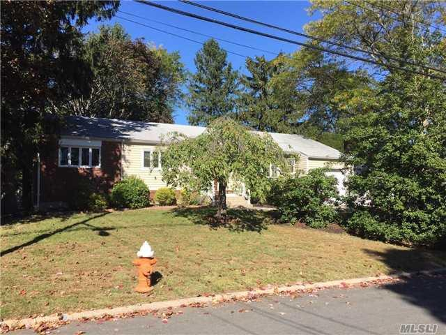 23 Elchester Dr, East Northport, NY 11731