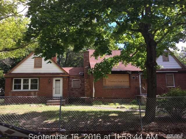 11 Hawkins Avenue, Medford, NY 11763