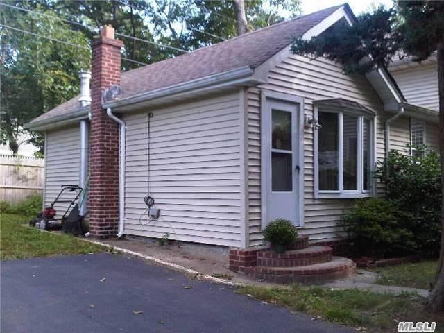 106 Jayne St, Port Jefferson, NY 11777