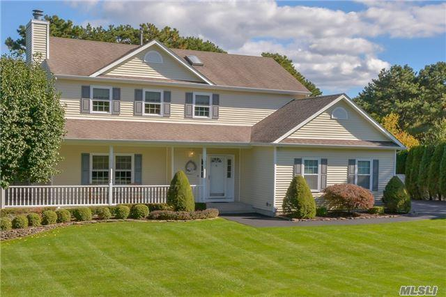 185 Natures Ln, Miller Place, NY 11764